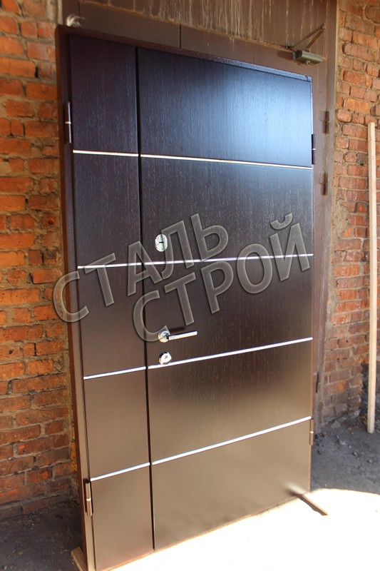 металлическая дверь простая в тамбур дешево