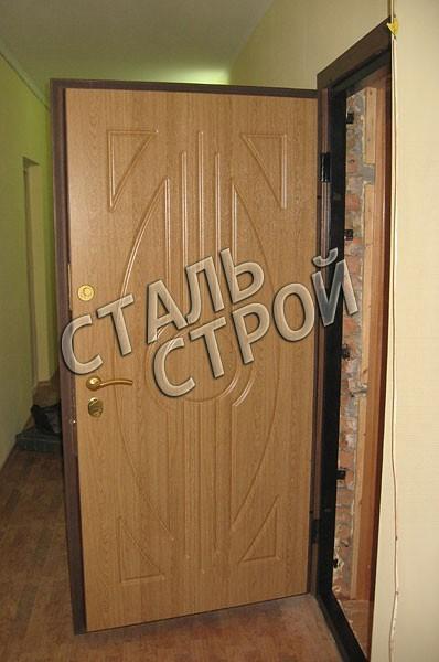 тамбурная стальная дверь